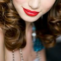 Melanie Harlow's picture