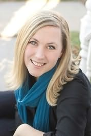 Rebecca Yarros's picture