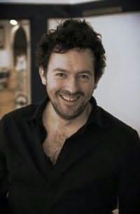 Mikel Santiago's picture