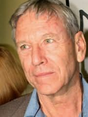 Amos Oz's picture