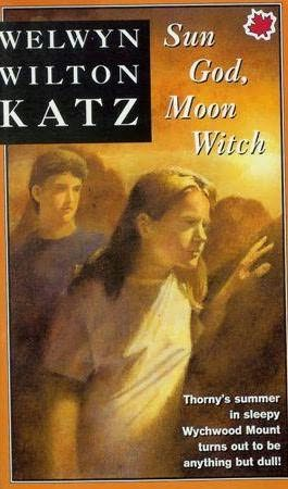 book cover of Sun God, Moon Witch