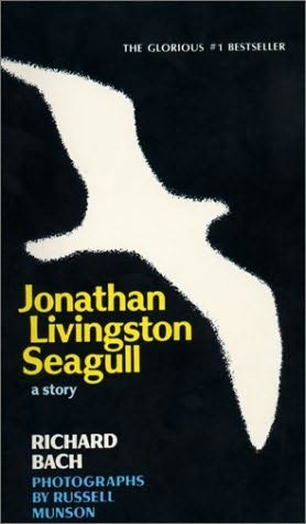 book cover of   Jonathan Livingston Seagull   by  Richard Bach