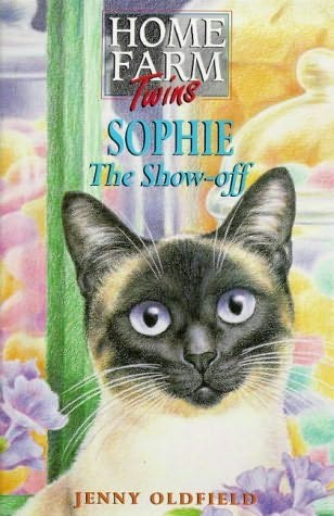 book cover of Sophie the Show-off